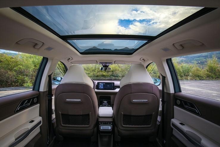 爱驰汽车旗下首款新势代品质SUV——爱驰U5智能座舱